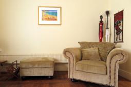 bnb_armchair