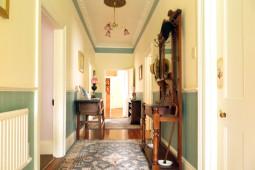 bnb_hallway